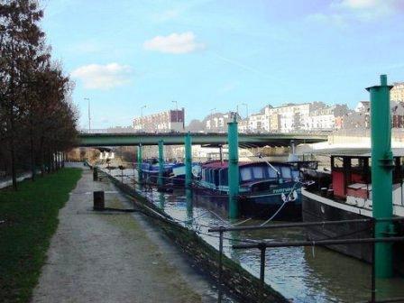 Le pont de Charenton en 2006 vu du quai de la Marne à Charentonneau. Photo © Claude Razanajao