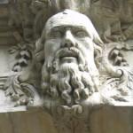 Ceci n'est pas le portrait de Jonathan Swift mais un mascaron sur la façade d'un immeuble montpelliérain