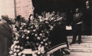 Obsèques de Raphael Randriamandimby (Ndimby). 1957