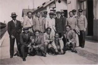 Etudiants malgaches de passage à Montereau en 1934