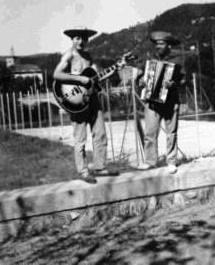 Michel Dieudonné et Gaby Rrazafitrimo -  St-Jean du Gard (1957)