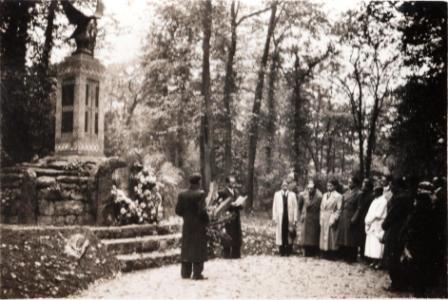 Discours devant le monument aux morts malgaches 1914-1918